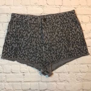 NEW BDG Urban Outfitters cheeky shorts sz 32